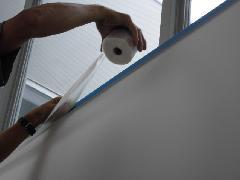 目黒区の戸建て住宅で実施!階段吹き抜け部硝子清掃作業事例