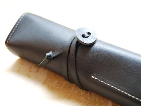 オイルヌメ革製 ロールペンケース ブラック