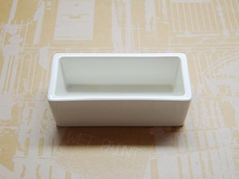 倉敷意匠 白磁の道具 角ポット(名刺)