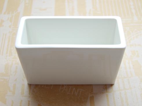 倉敷意匠 白磁の道具 角ポット(葉書)