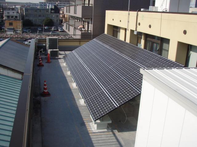 オフィスビル 太陽光発電 設置完了