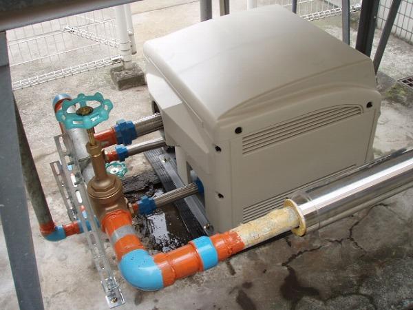 給水ポンプユニット 交換工事 2 配管塗装 1