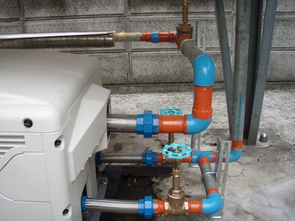 給水ポンプユニット 交換工事 2 配管塗装 2