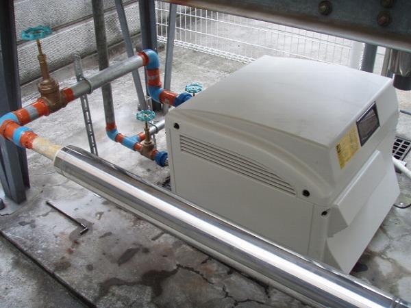 給水ポンプユニット 交換工事 2 配管塗装 3