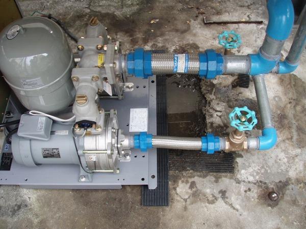 給水ポンプユニット 交換工事 2 ポンプ設置 1