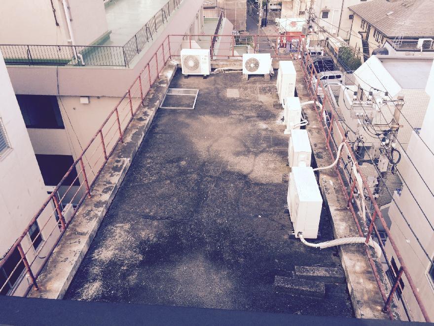 屋上笠木の塗膜防水施工前