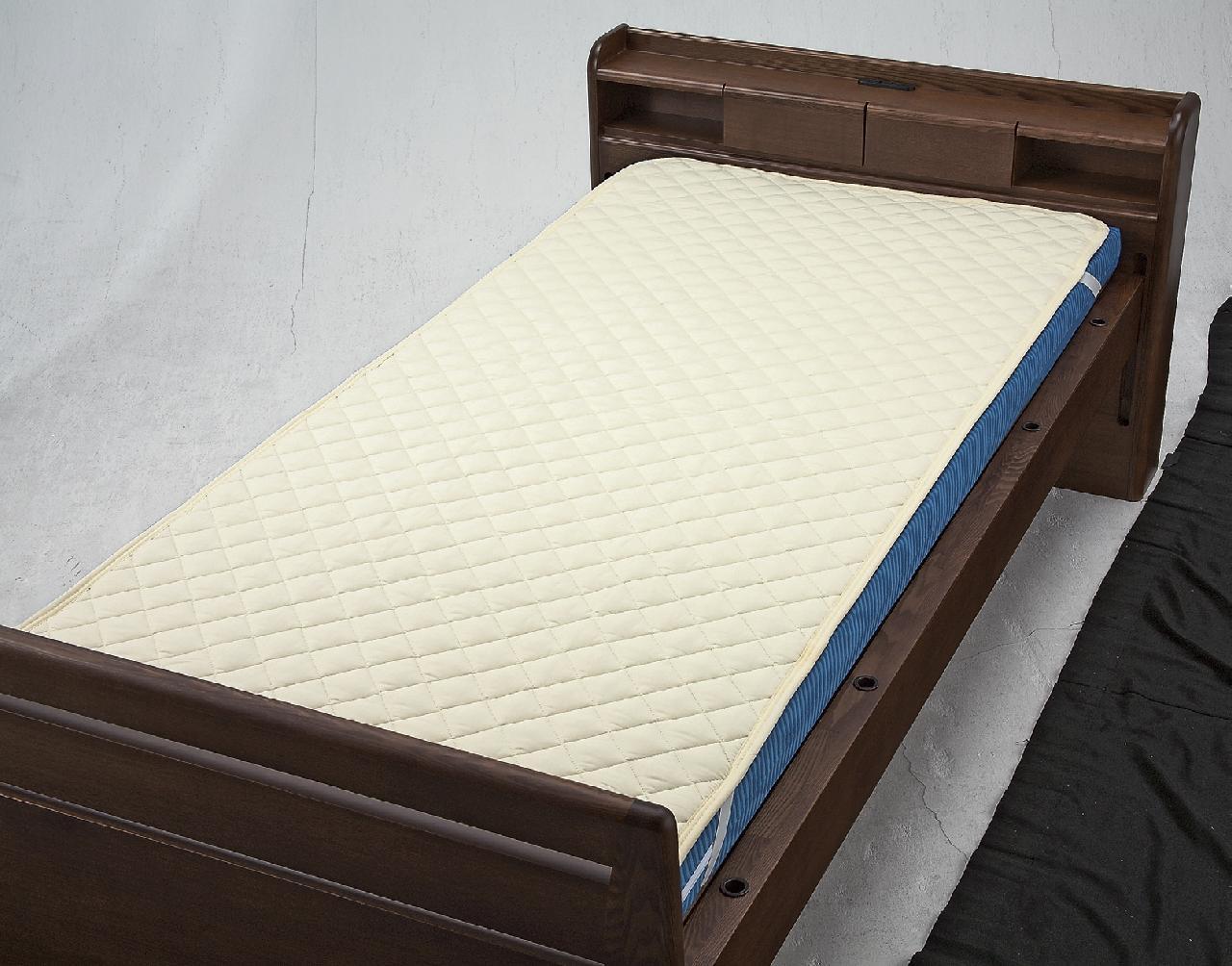 洗えるベッドパット(綿・ポリ)