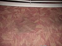じゅうたんは汚れが付いてしまうと中々落ちにくいです。
