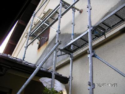 しっかりと塗装を施し、建物を再生します。