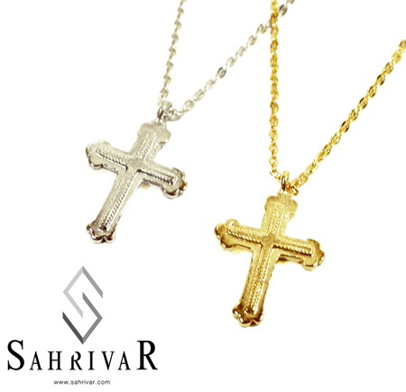 SAHRIVAR sn22s11a Small Cross Necklace