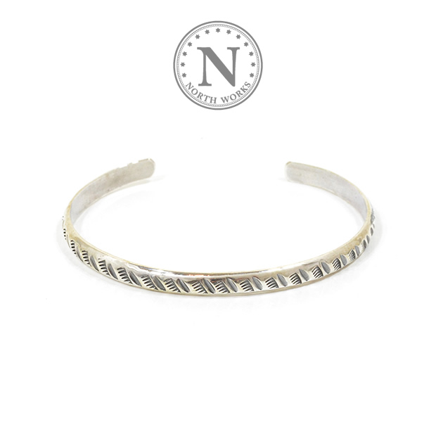 NORTH WORKS W-042 900Silver Round Cuff