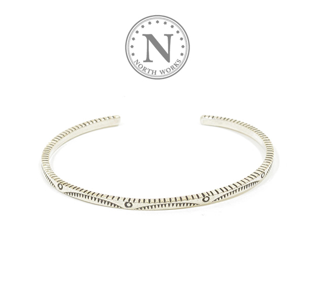 NORTH WORKS W-043 900Silver Square Narrow Cuff Bracelet