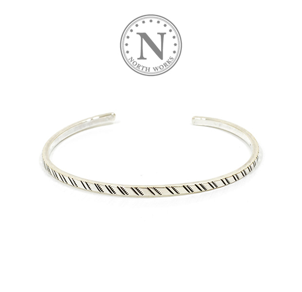 NORTH WORKS W-045 900Silver Square Narrow Cuff Bracelet