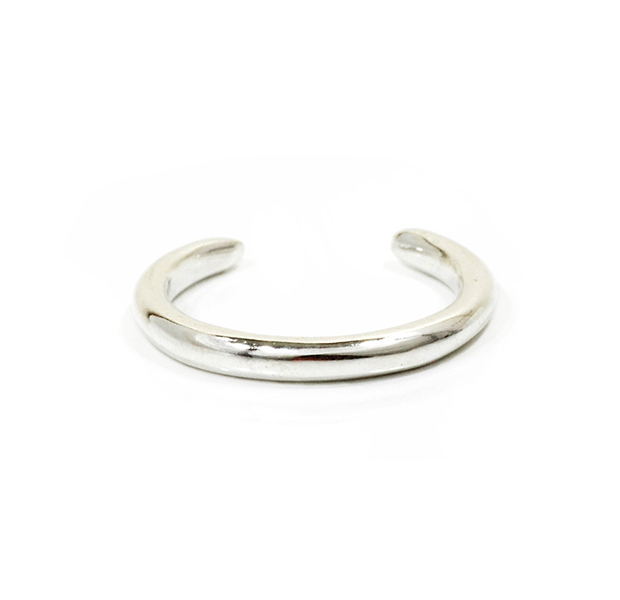 """UNKNOWN. U013 """" TAPERED """" RING / SILVER"""