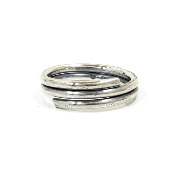"UNKNOWN. U026 "" WIND "" S RING / SILVER"