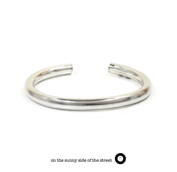 on the sunny side of the street 610-289 Silver Hollow 6mm Bangle【NEW ITEM】