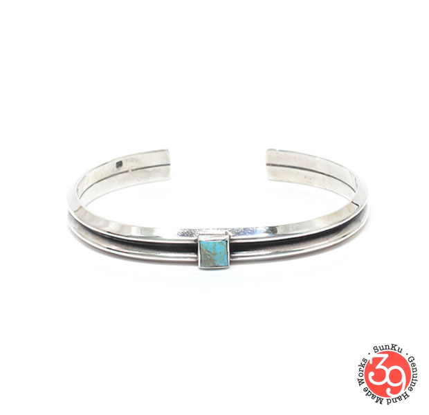 Sunku SK-243 W triangle turquoise bangle