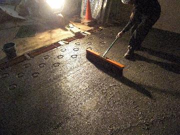 真空コンクリート 刷毛引き