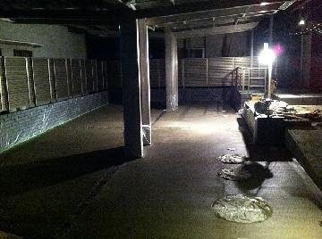 車庫コンクリート刷毛引き仕上完了