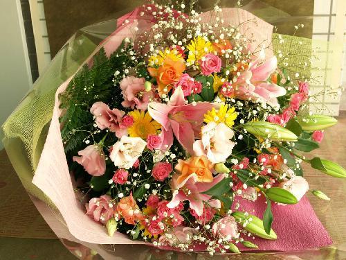 ユリのカラフル花束