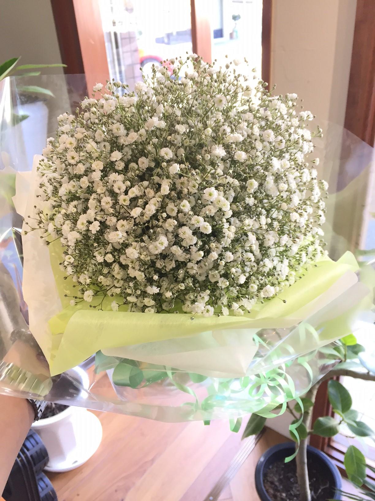 カスミソウのブーケ風花束