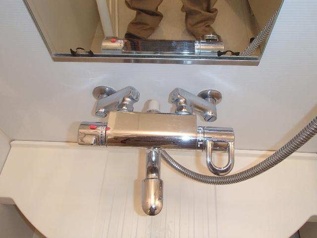 シャワー水栓(サーモスタット混合栓)
