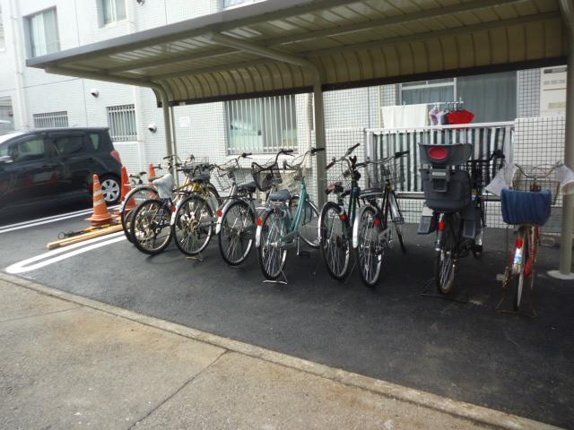 駐車場 アスファルト舗装工事