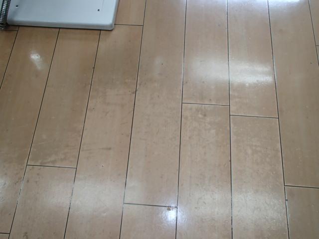 品川区内の某病院の床面剥離清掃