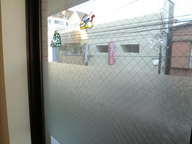 都内アパート 窓清掃