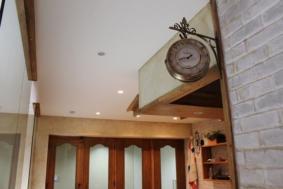 美容室  アンティーク時計