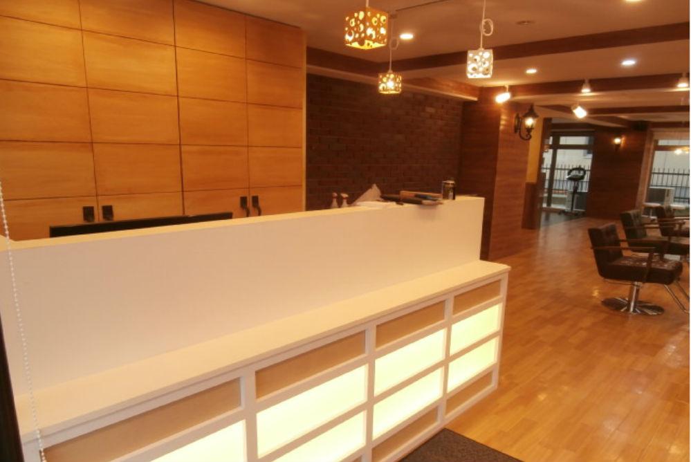 美容室 店舗 リフォーム 改装 オシャレ 照明 カウンター ダウンライト ブラケットライト