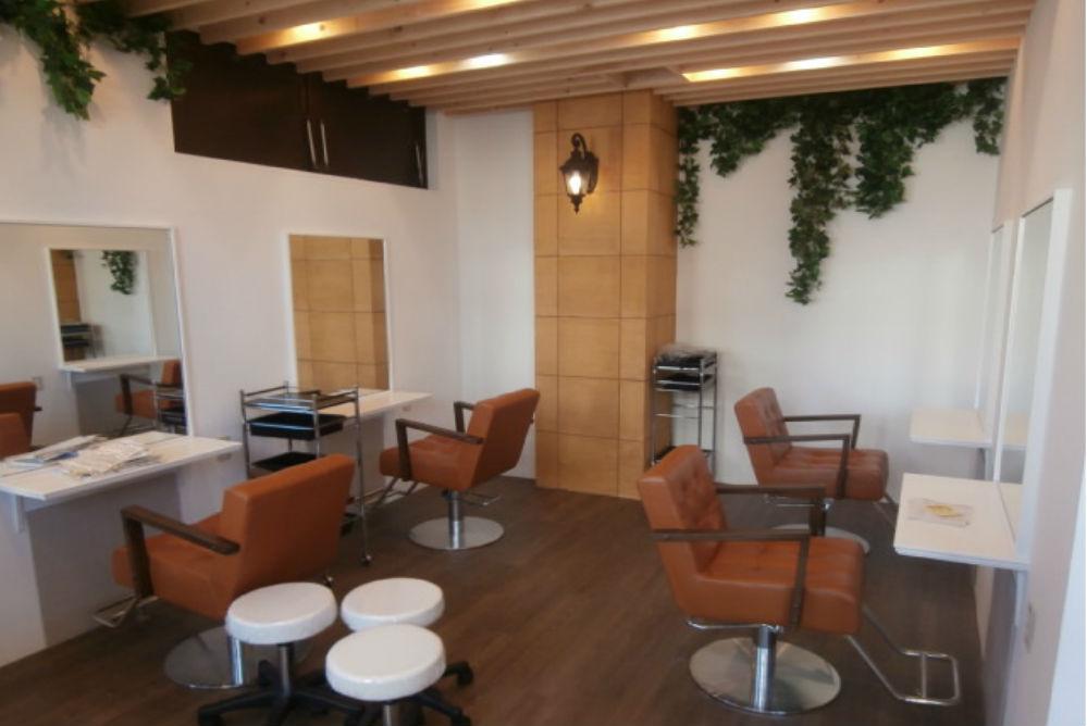 美容室 店舗 リフォーム オシャレ 改装 かわいい 椅子