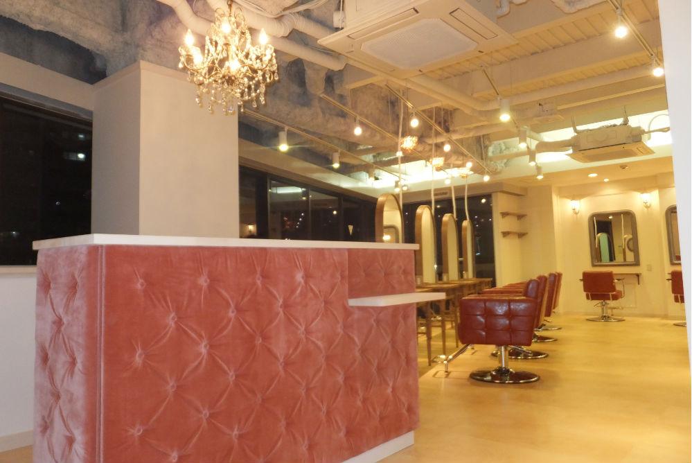 美容室 かわいい オシャレ ベロア ベロア生地 カウンター 内装工事 リフォーム