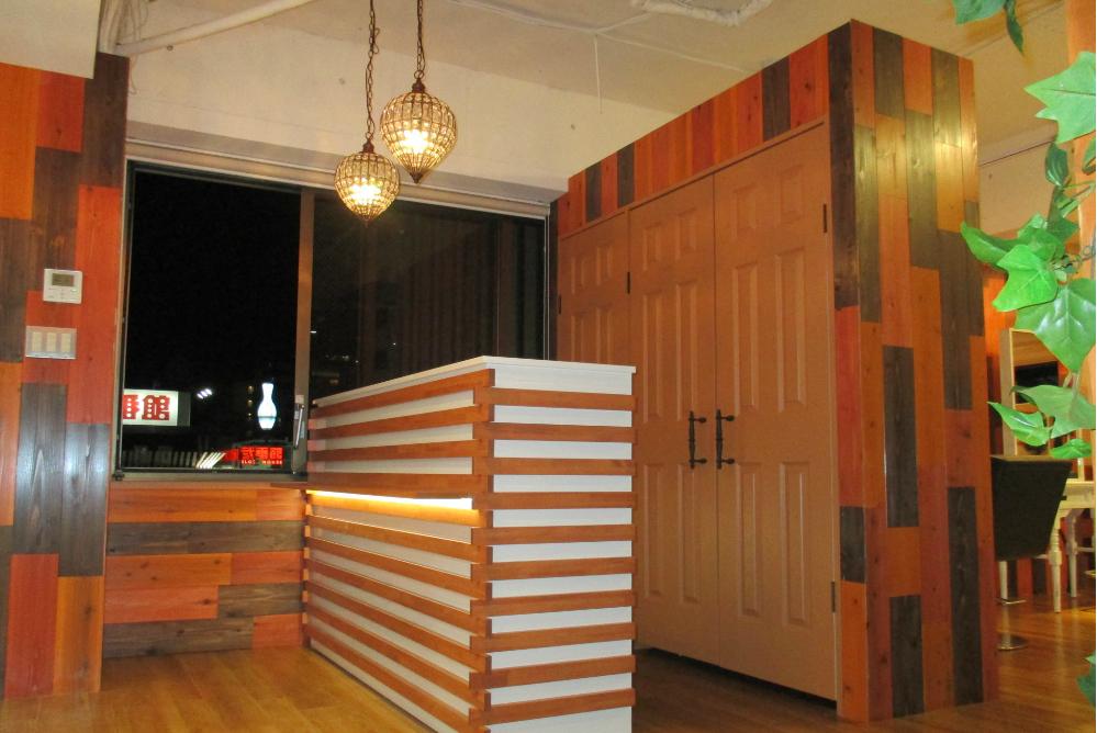 美容室 サロン リフォーム 内装工事 店舗デザイン オシャレ 内装デザイン カウンター 棚