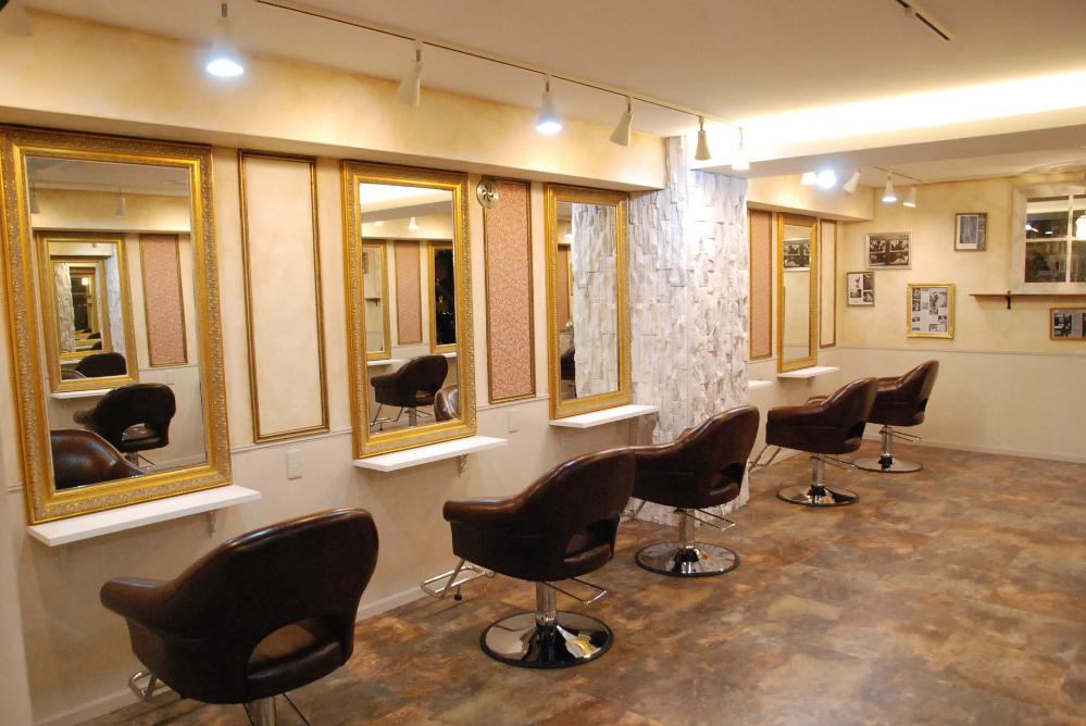 サロン 美容室 オシャレ リフォーム 店舗 改装 かわいい 鏡 ヨーロピアン セット面 椅子 デザイン 店舗デザイン 内装デザイン