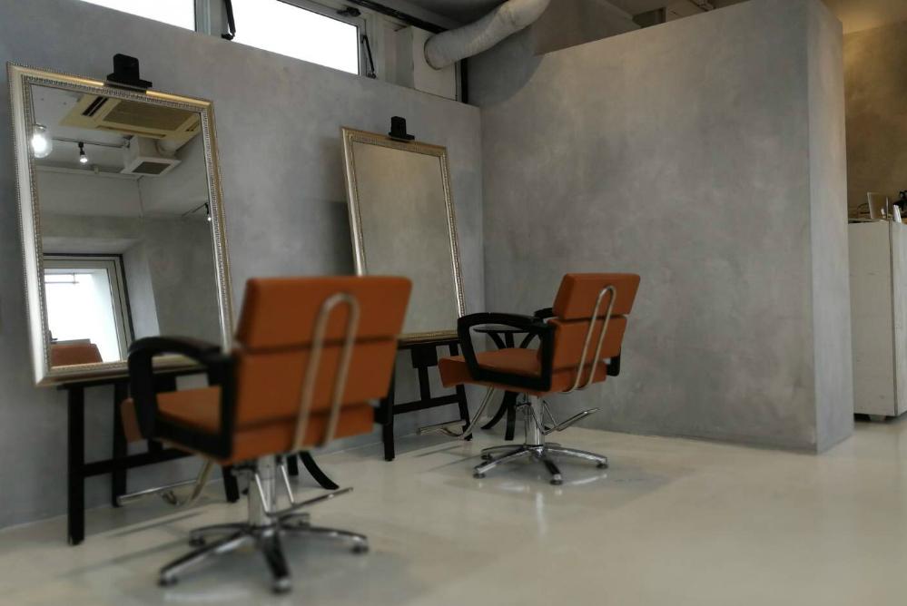 サロン 美容室 オシャレ リフォーム 店舗 改装 かわいい デザイン 内装デザイン 店舗デザイン 店舗リフォーム 鏡 セット面 椅子