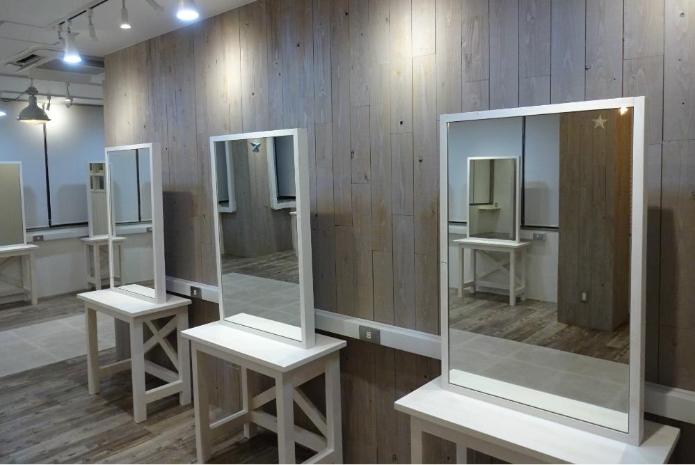 サロン 美容室 オシャレ リフォーム 店舗 改装 かわいい デザイン 内装デザイン 店舗デザイン 店舗リフォーム セット面