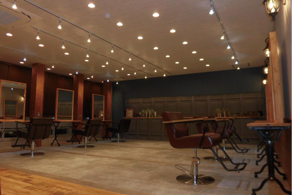 美容室 オシャレ サロン アンティーク リフォーム 店舗 改装 シック デザイン 内装デザイン 店舗デザイン 店舗リフォーム