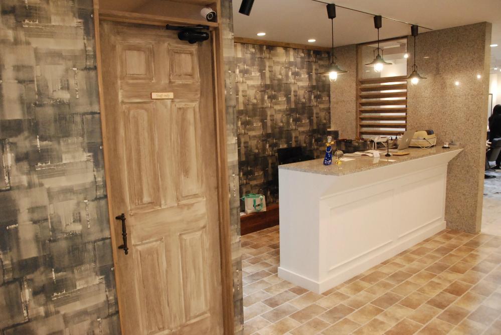 サロン 美容室 オシャレ リフォーム 店舗 改装 カウンタ 受付カウンター デザイン 内装デザイン 店舗デザイン 店舗リフォーム