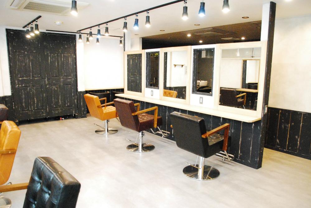 サロン 美容室 オシャレ リフォーム 店舗 改装 デザイン 内装デザイン 店舗デザイン 鏡 セット面 椅子