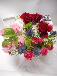 赤い薔薇と紫陽花のアレンジメント