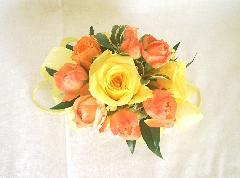 オレンジ・イエローのバラのリストレット