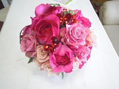 イブピアッチェのバラで作ったラウンドブーケ