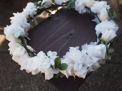 白いお花の花かんむり