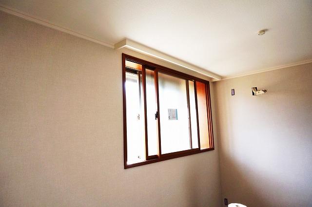 結露防止、防音、遮熱、節電効果抜群の内窓です。