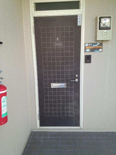 施工前の玄関ドアです。