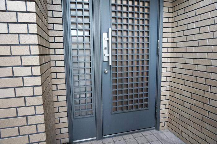 玄関ドア レバーハンドル補修
