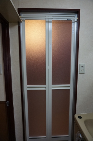 浴室の扉交換