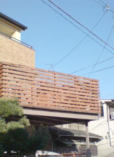 木製バルコニーです。(躯体は鉄骨)