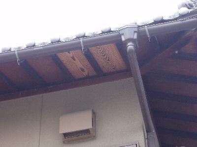 中杢の天井板を張りました。